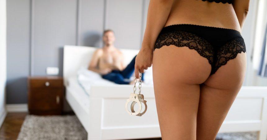 Wenn 15 Mio Kunden informiert werden müssen, dass alle ihre Daten samt Chatverlauf, persönlichen Vorlieben und Kreditkarte im Netz landeten… ausgerechnet von einer Porno-Webseite