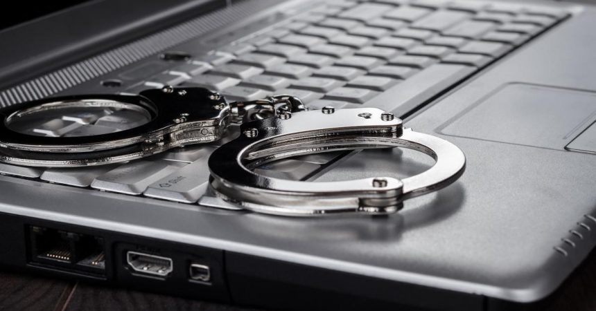 """Passwort knacken: Welche Strafe droht beim """"elektronischen Hausfriedensbruch""""?"""